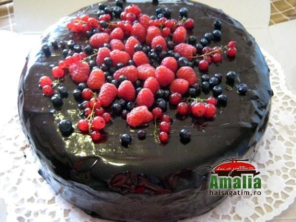 Tort cu mousse de ciocolata (Tort cu mousse 0)   imagine reteta
