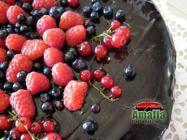 Tort cu mousse de ciocolata (Tort cu mousse 01)   imagine reteta