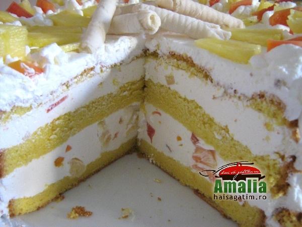 Tort cu iaurt si frisca (IMG 5496 084)   imagine reteta
