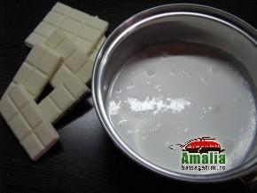 Tarta cu ciocolata alba si capsuni (IMG 5944 290x217)   imagine reteta