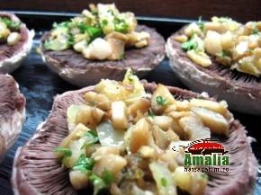 Ciuperci umplute cu sunca si legume (IMG 6245 118 290x217)   imagine reteta