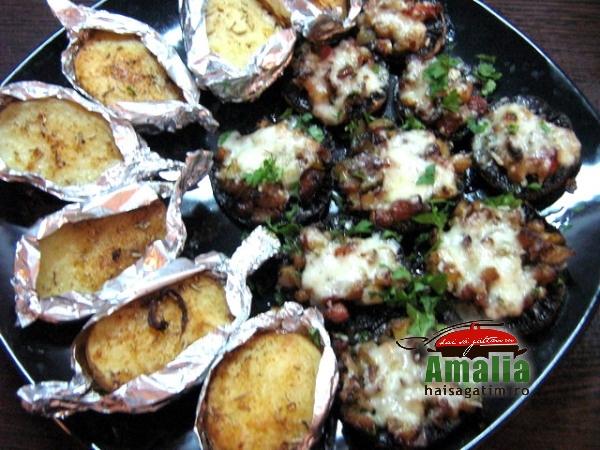 Ciuperci umplute cu sunca si legume (IMG 6246 120)   imagine reteta