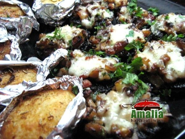 Ciuperci umplute cu sunca si legume (IMG 6248 119)   imagine reteta
