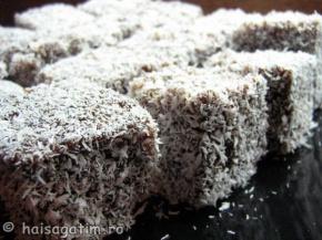 Alt exemplu de platou prajitura tavalita in nuca de cocos