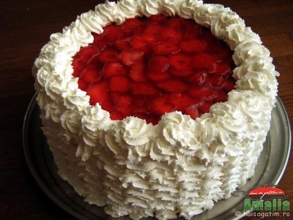 Tort spirala cu frisca si capsuni (sp71)   imagine reteta