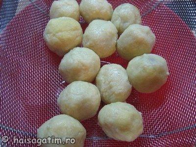 Gomboti cu prune aluat cu gris (IMG 0204 resize)   imagine reteta