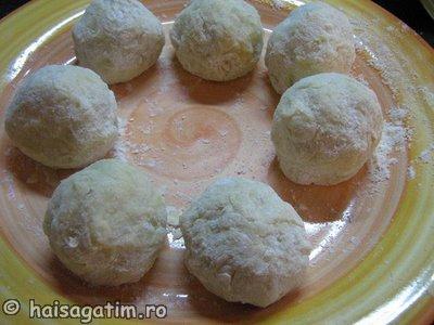 Gomboti cu prune aluat cu cartofi (IMG 0451)   imagine reteta