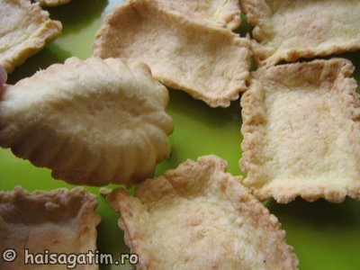 Tarte cu fructe din aluat fraged (IMG 08333)   imagine reteta