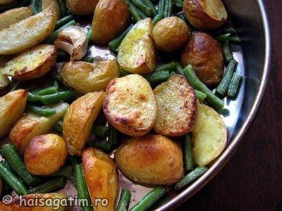Cartofi copti cu usturoi si fasole verde (cart1)   imagine reteta