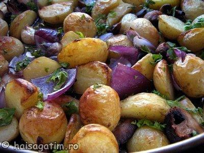 Cartofi copti cu ciuperci, ceapa si usturoi (cart4)   imagine reteta