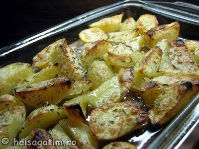 Cartofi la cuptor cu rozmarin (cartro1)   imagine reteta