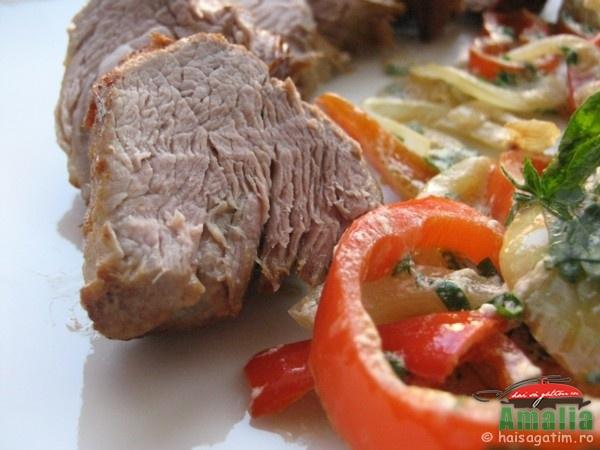 Muschiulet de porc cu vin si ardei (cotl012)   imagine reteta
