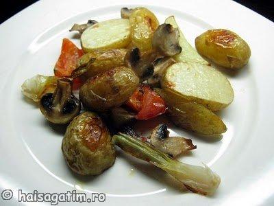 Cartofi cu ciuperci la cuptor (garn0)   imagine reteta