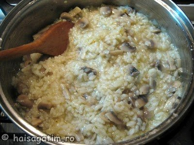 Orez cu ciuperci 2 (orez2)   imagine reteta