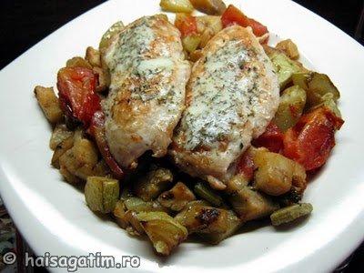 Piept de pui cu legume la tigaie (pieptculegume0)   imagine reteta