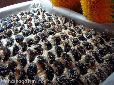 Prajitura cu prune a la Laura S (praji21)   imagine reteta