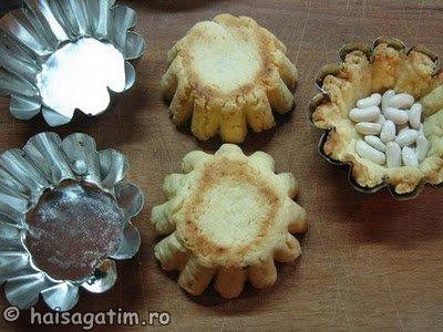 Tarte fragede cu crema de iaurt si frisca (tarta6)   imagine reteta