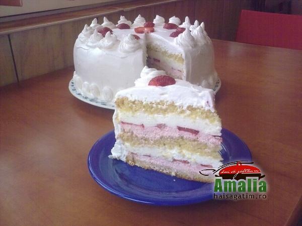 Tort cu capsuni si crema de lapte (10298247 564977090289011 8246754908377118975 o)   imagine reteta