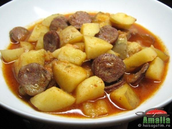 Tocana cu carnati si cartofi noi  (gulas01)   imagine reteta