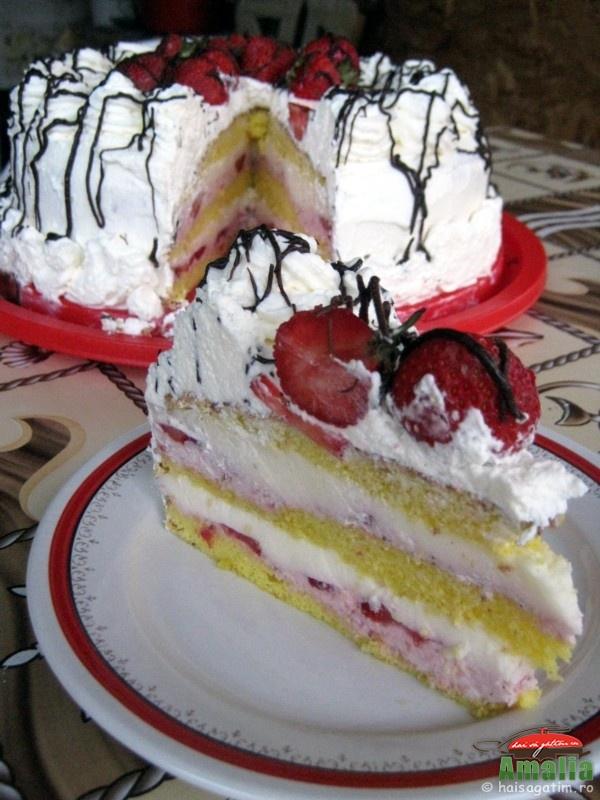 Tort cu capsuni si crema de lapte (tortcucapsuni01)   imagine reteta
