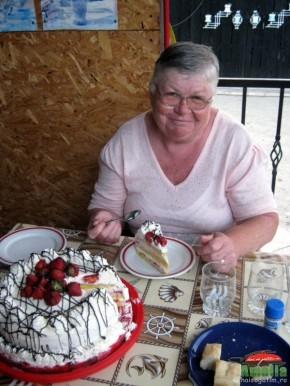 Tort cu capsuni si crema de lapte (tortcucapsuni6 290x386)   imagine reteta