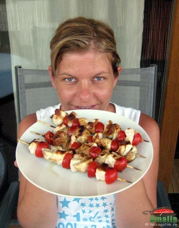 Frigarui de pui cu ciuperci si rosii cherry (frigarui11)   imagine reteta