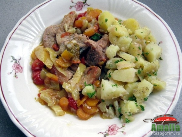 Costita de porc cu legume (costitaculegume0)   imagine reteta