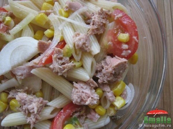 Salata cu paste, ton si rosii (salatadepastecu ton1)   imagine reteta