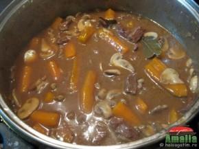 Vitel cu morcovi si ciuperci (vitelcumorcovisiciuperci3 290x217)   imagine reteta