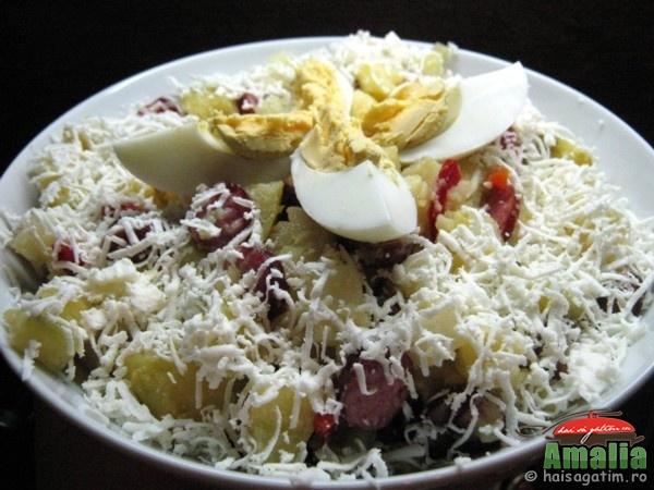 Salata cu carnaciori si cartofi (salatacucarnaciori0)   imagine reteta