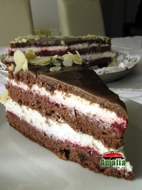 Tort cu zmeura si frisca (tort cu zmeura si frisca 0)   imagine reteta