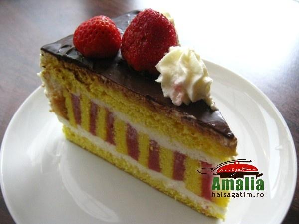Tort cu jeleu de capsuni si crema de unt (Tort)   imagine reteta