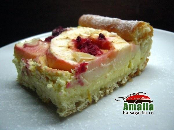 Tarta cu mere, branza dulce si fructe de padure (Tarta cu mere 0)   imagine reteta