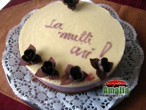 Tort cu mousse de zmeura si ciocolata (Tort cu mosse de zmeura 5)   imagine reteta