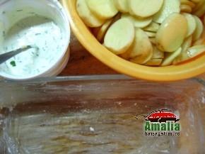 Cartofi cu smantana si verdeturi (Cartofi 1 290x217)   imagine reteta