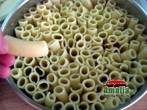 Paste rigatoni cu carne la cuptor ( pasta pie ) (Rigatoni pasta pie 2 290x217)   imagine reteta