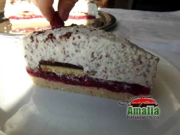 Tort cu zmeura si branza de vaci (Tort 0)   imagine reteta