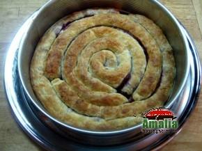 Tort cu visine sau cirese (Tort cu visine 1 290x217)   imagine reteta