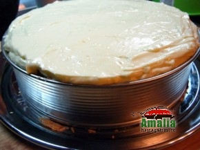 Tort cu visine sau cirese (Tort cu visine 5 290x217)   imagine reteta