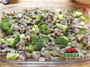 Broccoli cu ciuperci la cuptor (Broccoli cu ciuperci la cuptor 3 011 290x217)   imagine reteta
