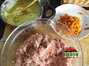 Rulada din carne cu piure de cartofi si ardei (DSCF1082 005 290x217)   imagine reteta