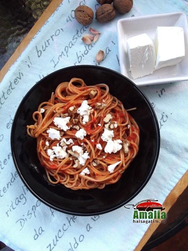Spaghete cu pesto cu ardei copti 0