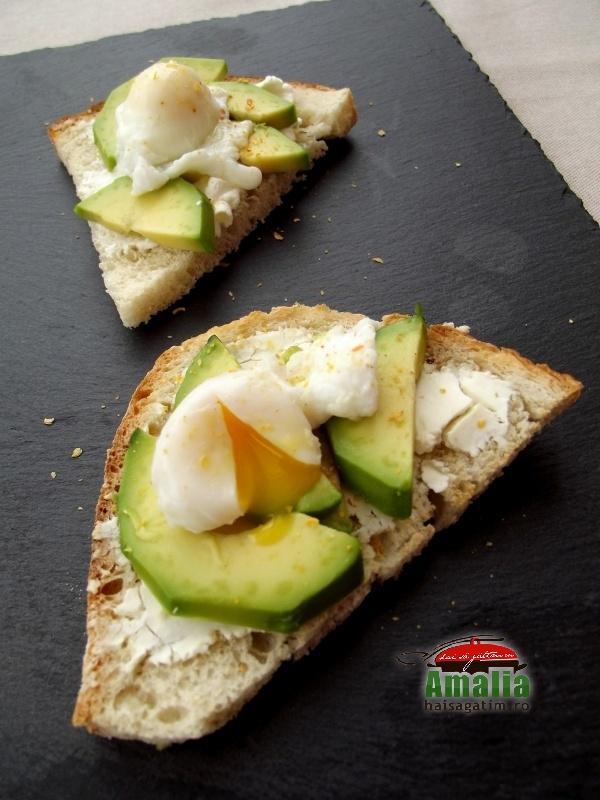 Tartine cu avocado