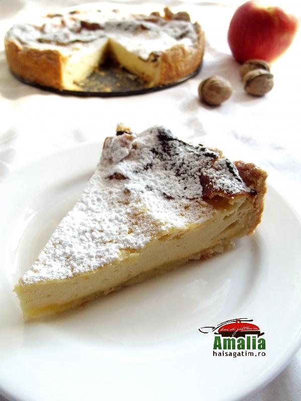 Cheesecake cu miere, mere si nuci 1
