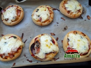 Mini pizza pufoase 5
