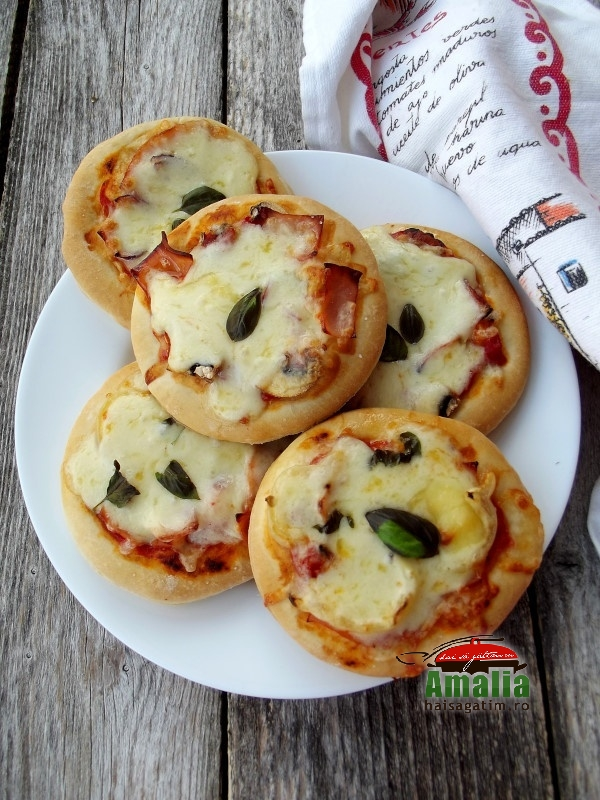 Mini pizza pufoase 2