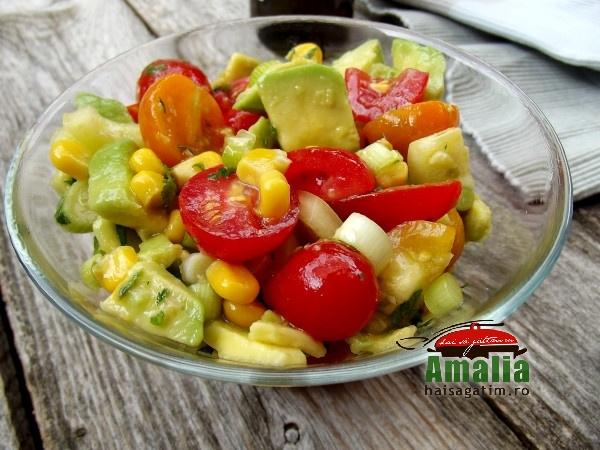 Salata de vara cu porumb, rosii si avocado 3