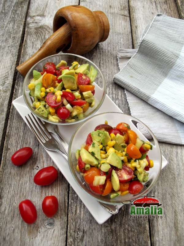 Salata de vara cu porumb, rosii si avocado 4