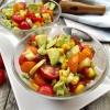Salata de vara cu porumb, rosii si avocado 1