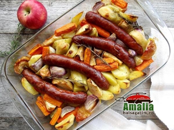 Cârnați-cu-legume-la-cuptor-aromatizați-cu-cimbru-si-rozmarin-5